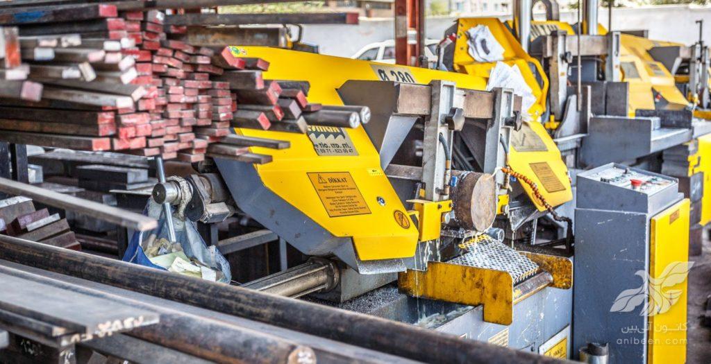 عکاسی صنعتی | انبار آهن | اره آهن بر کسمک